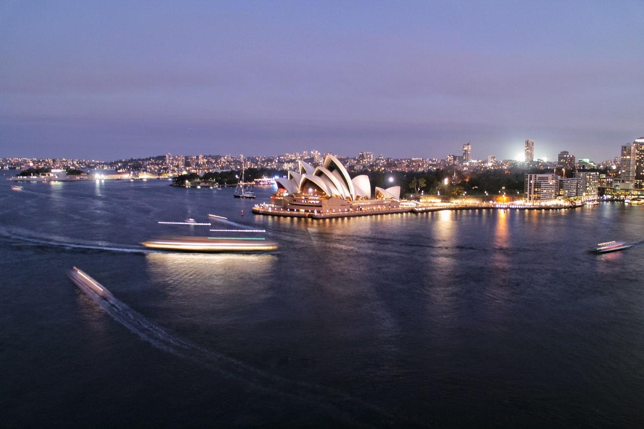 Australian regulator issues blocking orders against affiliates masquerading as reviewers